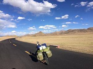 藏区骑行60日~第42天「路口遇恶狗,连翻两垭口,逆风住板房」Riding in the Tibetan area for 60 days~The Forty-second days