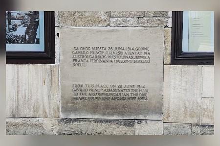 We discovered an historic spot for WWI 我们发现了第一次世界大战的历史景点